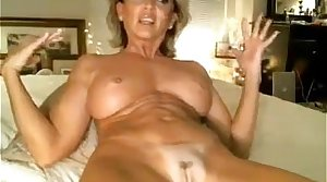Horny MILF Has Fun With Say no to Pussy