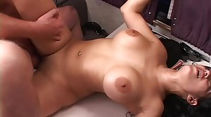 Original MILF Hunter gives Mason Bruise a hard fuck and gives will not hear of a big millstone in brashness