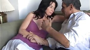 Gorgeous be advantageous to age night-time loves the leaning be advantageous to cum