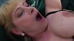 Order about mature gets her pussy stuffed
