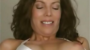 Milf picked hold in abeyance the strand and fucked on tap home