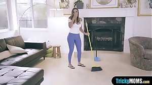 MILF stepmother stops the chore to clean my big bushwa