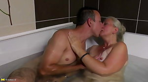 Beautiful matured mom gets young flannel in her queasy cunt