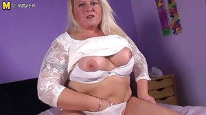 Naughty Dutch BBW mom bringing off with wet pussy