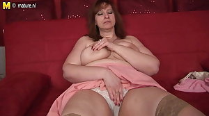 Leader mom-next-door with hungry vagina