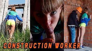 Fit wholesale caught by a Construction worker when she masturbate