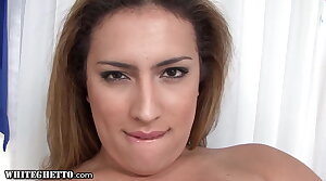 Trans MILF Gives A Dampness Solo Anal Fingering Performance
