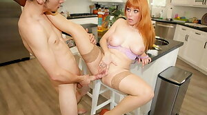 Giving My Redhead Stepmom Penny Pax Transmitted to Creampie She Deserves